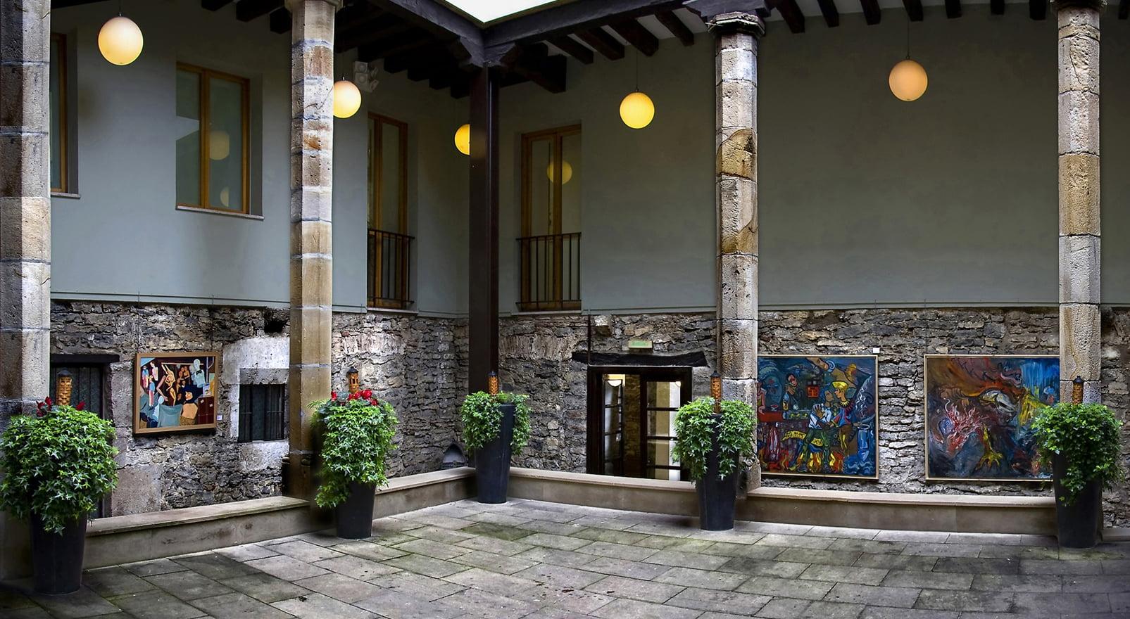 Patio del Palacio de Villasuso