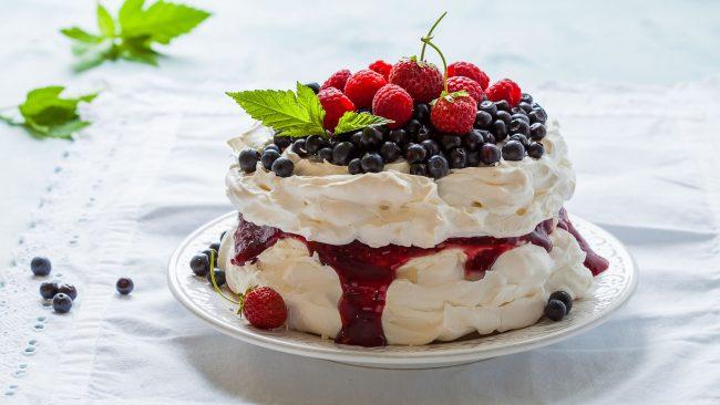 Pavlova: una tarta australiana crujiente