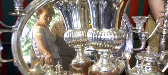 Plateria en el Mercado de Antiguedades