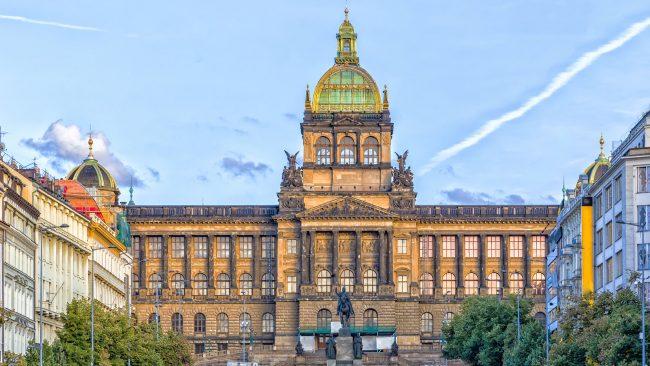 Plaza de Wenceslao, la más larga de Praga