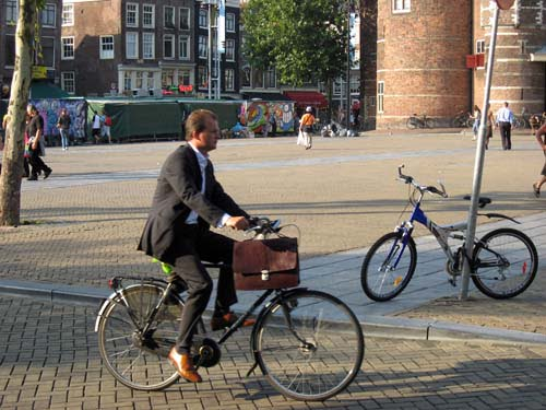 pr2s_amsterdam_bicycle_suit1