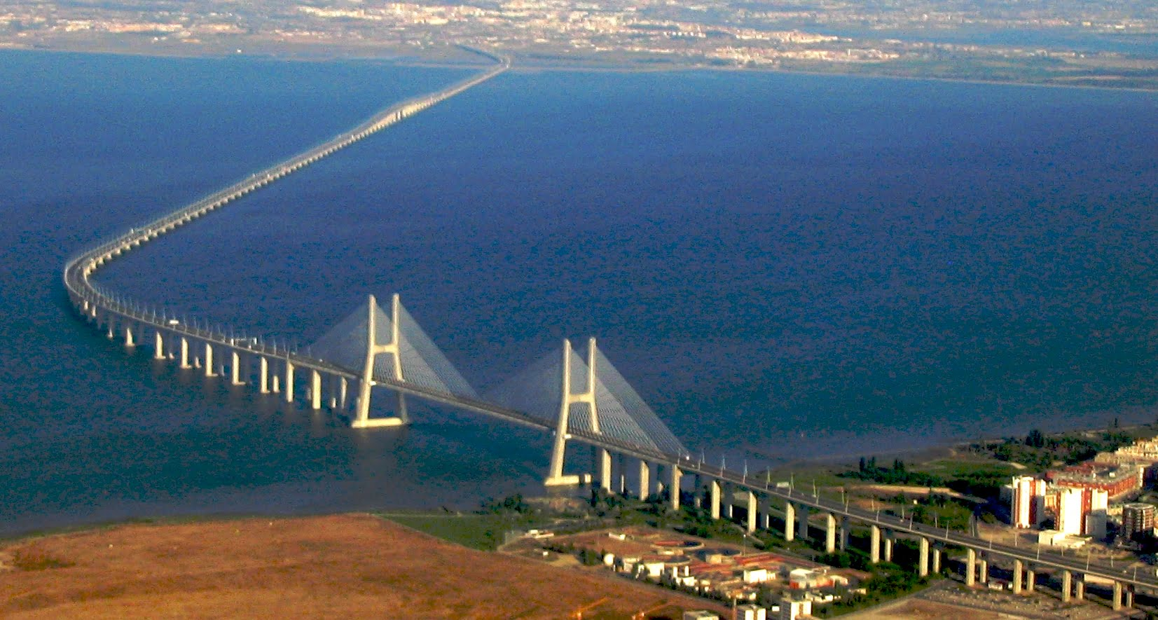 Resultado de imagen para Puente Vasco da Gama.
