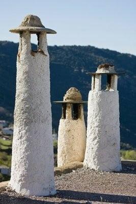 que ver en Granada, chimeneas en La Alpujarra