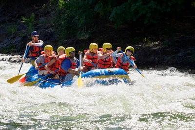 rafting en Aragón remando