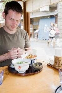 Restaurantes japoneses almorzando