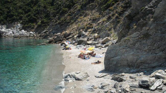Rincón en la playa Agios Ioannis en Mykonos