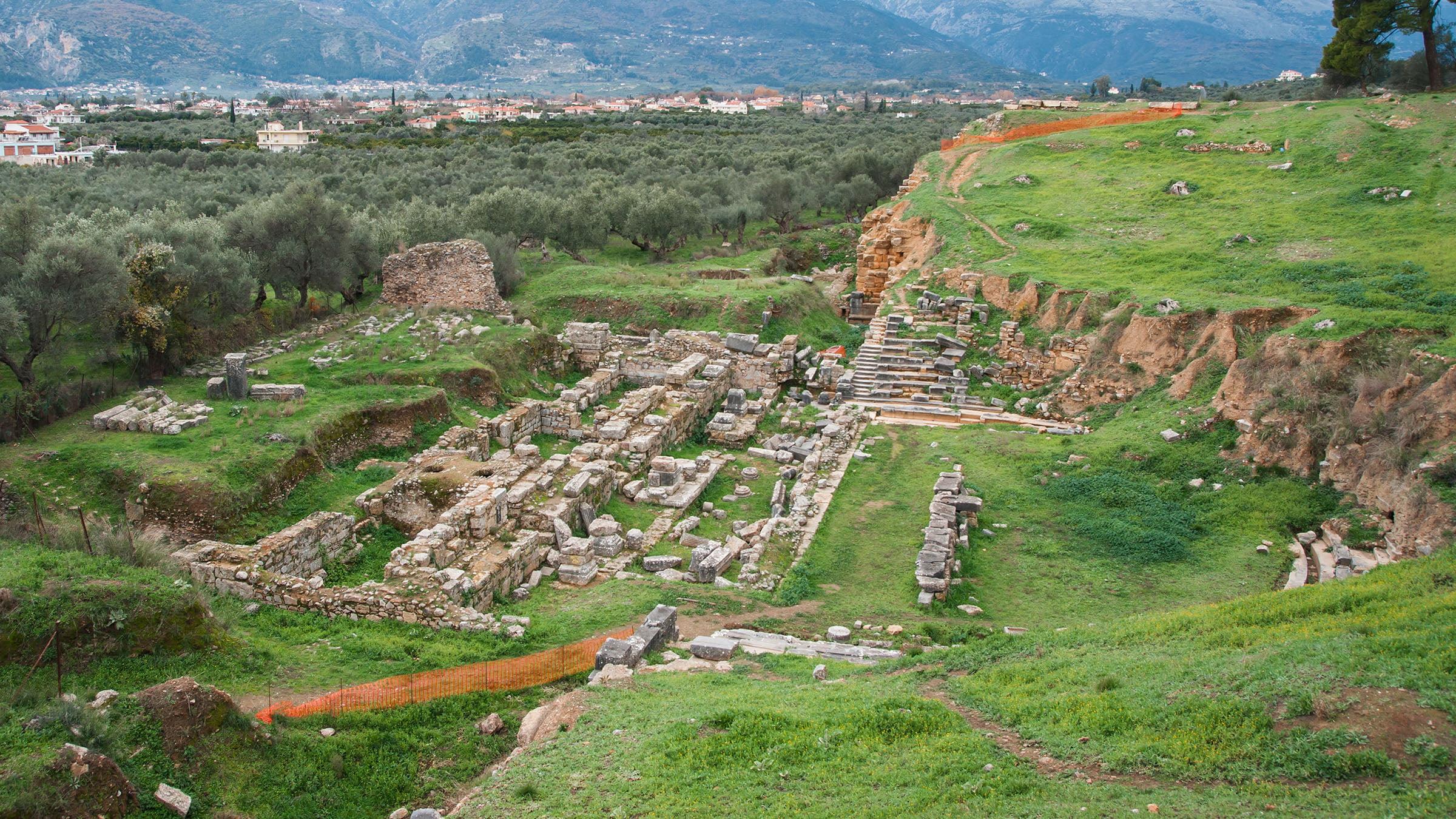Ruinas de esparta antigua ciudad griega for Muralla entre mexico y guatemala