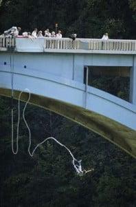 Saltos de Puenting desde puente