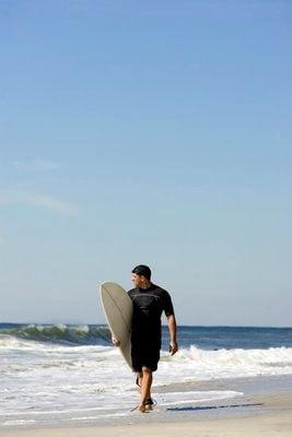Surf en Marruecos saliendo del mar