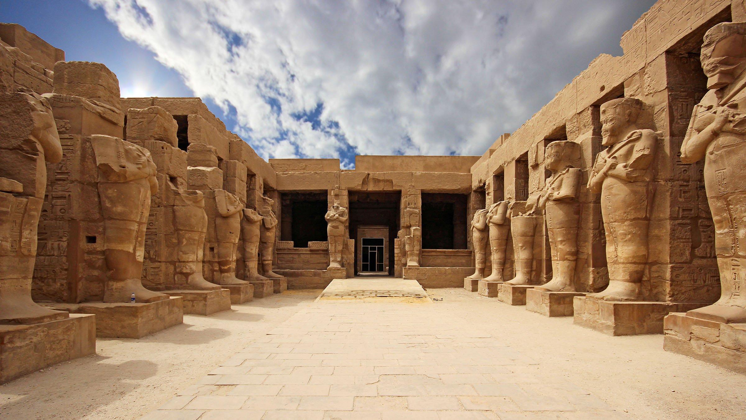 Templo de karnak en l xor egipto for Arquitectura egipcia