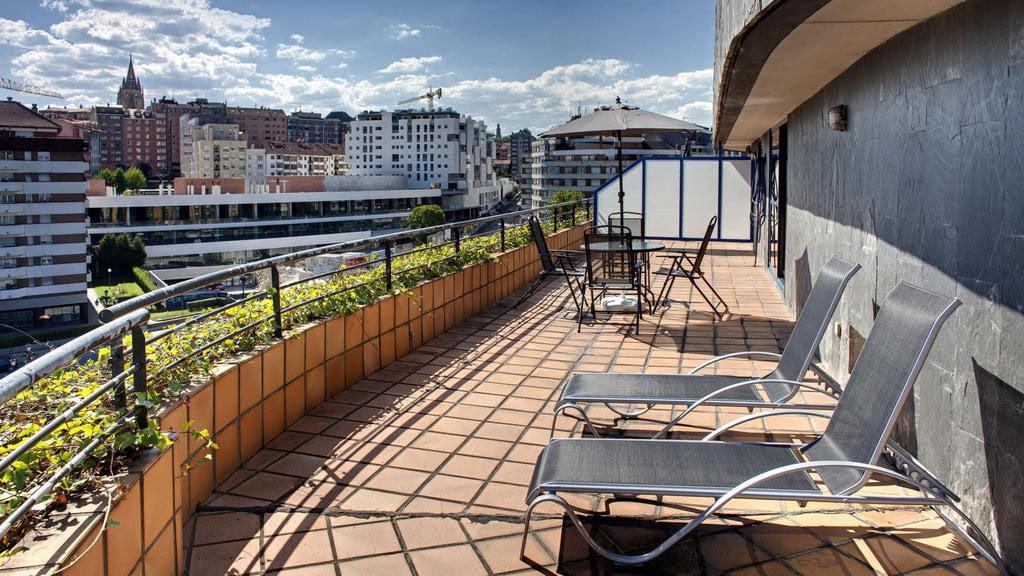 Terraza del aparthotel campus oviedo for Terrazas oviedo
