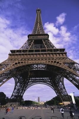 torre eiffel parte inferior