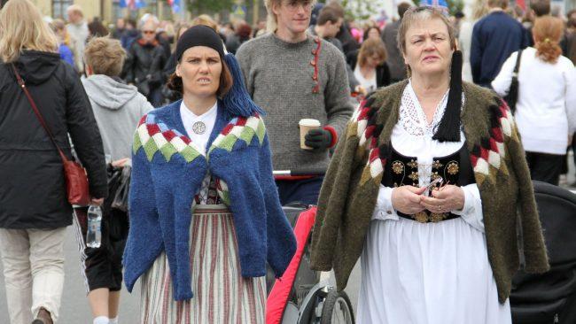 Trajes nacionales de Islandia para mujeres