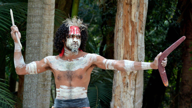Trajes regionales. Trajes-tipicos-de-los-aborigenes-australianos-yugambeh-1440x810