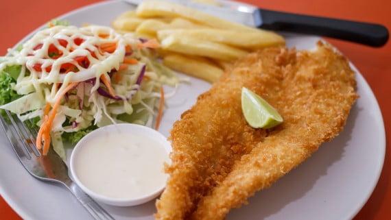 Trucha frita al estilo peruano