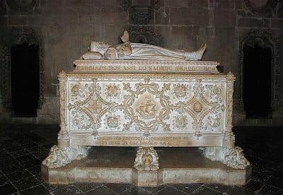 Tumba de Vasco de Gama en el Monasterio de los Jeronimos