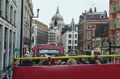 Turismo en el Reino Unido desde un bus