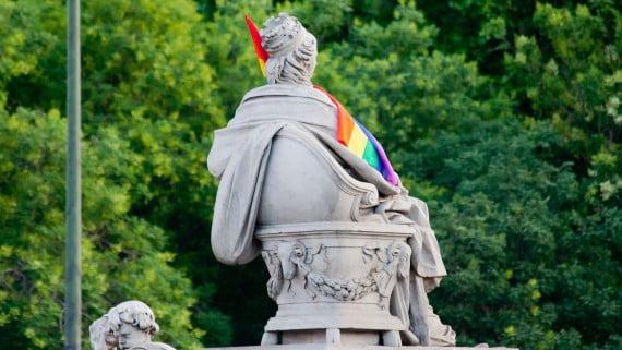 La Cibeles de Madrid κατά τη διάρκεια της πορείας Gay Pride