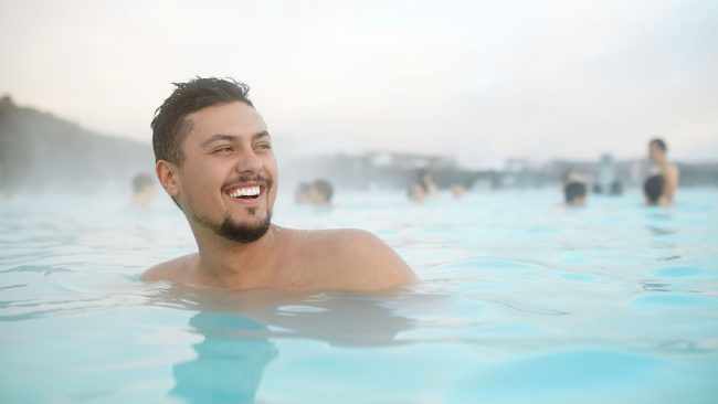 Tourisme gay en Islande: piscines thermales