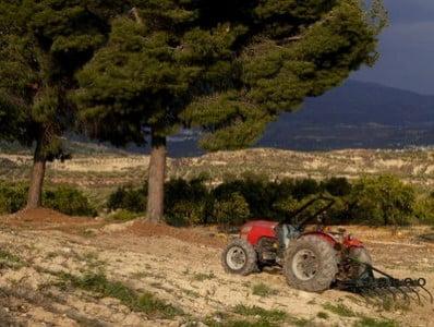 turismo rural en Granada tractor