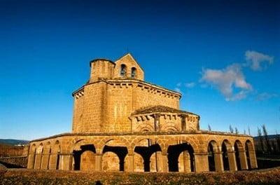 Turismo rural en Navarra iglesía Santa María de Eunate