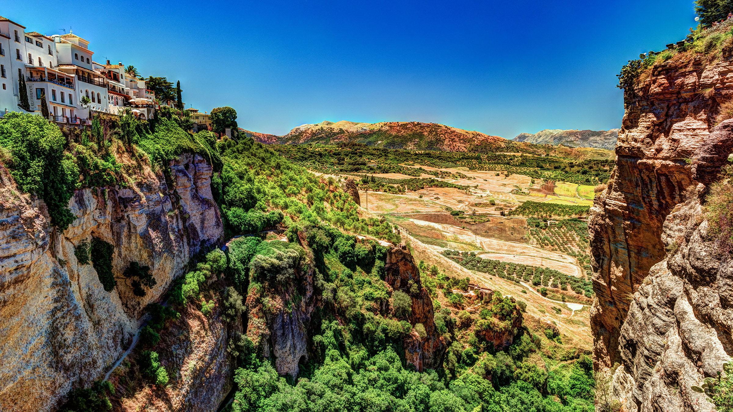 Un paisaje de v rtigo en ronda m laga espa a for Oficina de turismo ronda