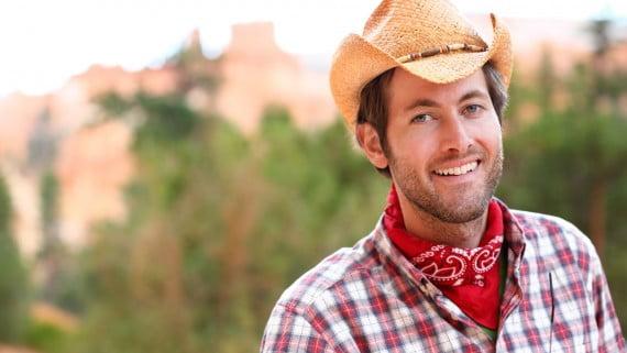La bandana y el sombrero de vaquero