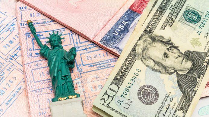 Viaxa aos Estados Unidos para traballar ou estudar