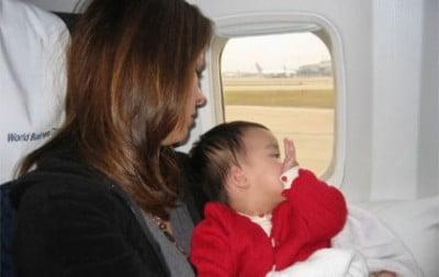 viajar en avion con bebe