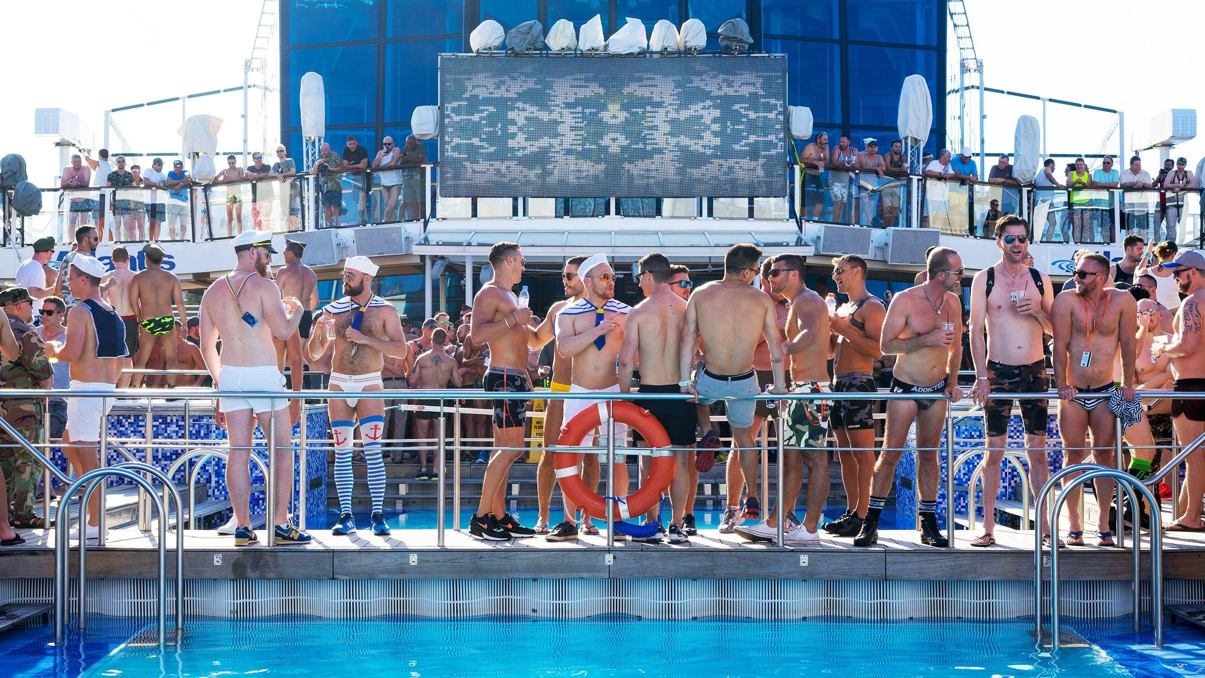 Viaje en barco para gays desde España