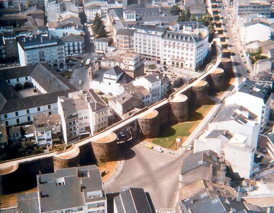 Vista aérea de la muralla de Lugo