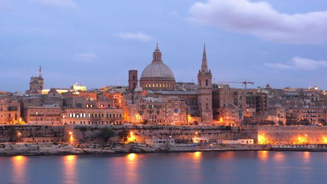 Valletta Malta gaueko ikuspegia