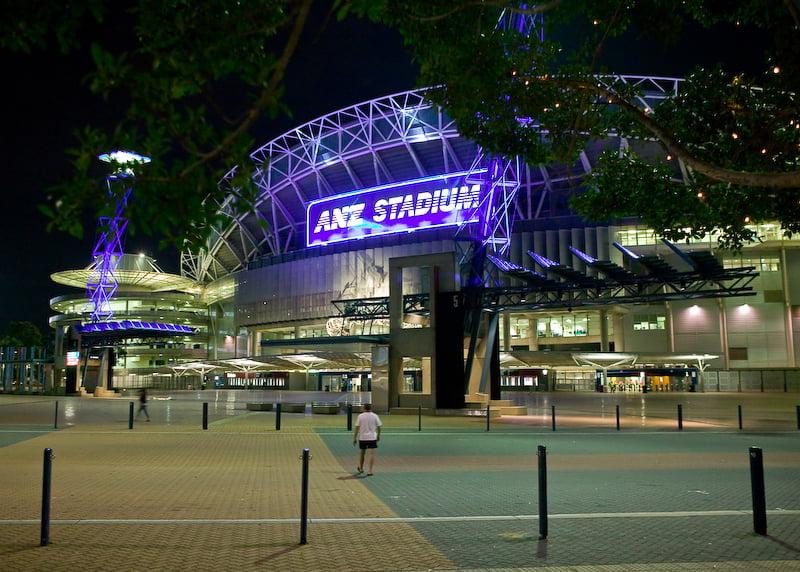 Vista nocturna del Estadio ANZ