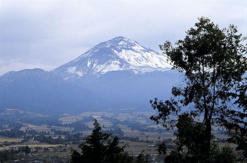 volcanes más importantes volcán Popocatepetl en México